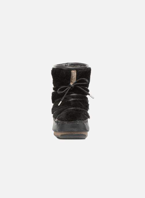 Sport shoes Moon Boot low SH Black model view