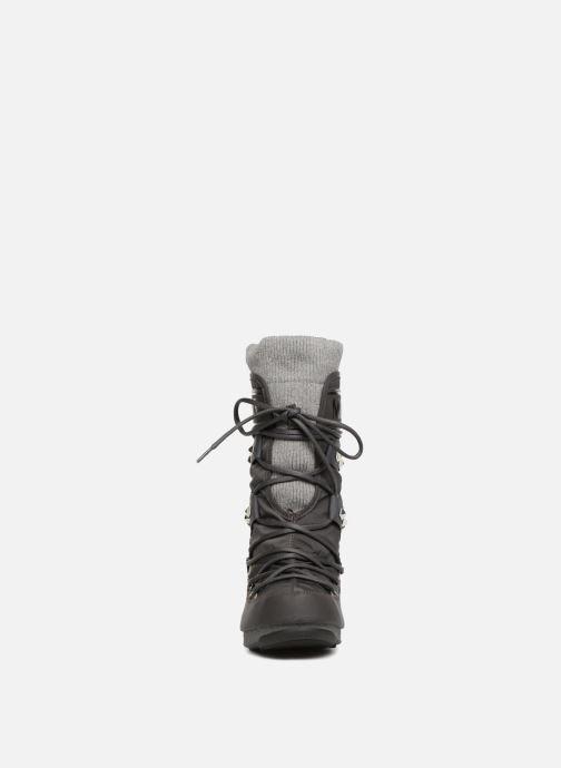 Chaussures de sport Moon Boot Monaco Shadow Gris vue portées chaussures