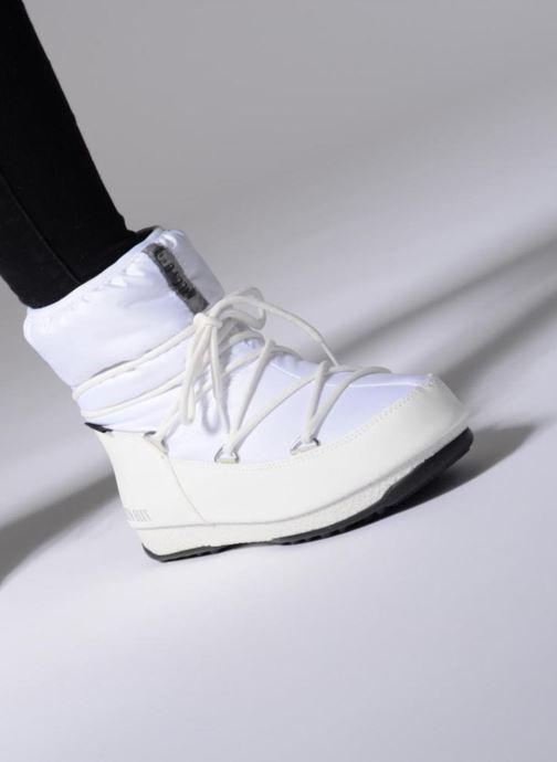 Chaussures de sport Moon Boot Low Nylon Blanc vue bas / vue portée sac