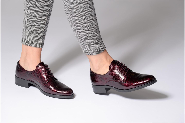Chaussures à lacets Georgia Rose Galion Bordeaux vue bas / vue portée sac