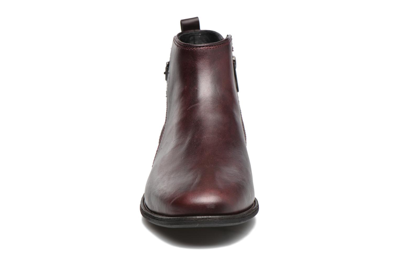 Bottines et boots UGG Demi Croc Bordeaux vue portées chaussures
