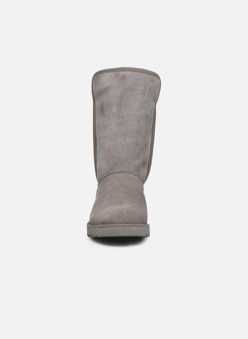 Bottes UGG W Michelle Gris vue portées chaussures