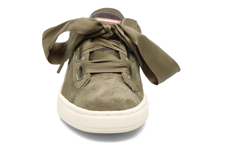 Baskets Puma Wns Suede heart Vr Vert vue portées chaussures