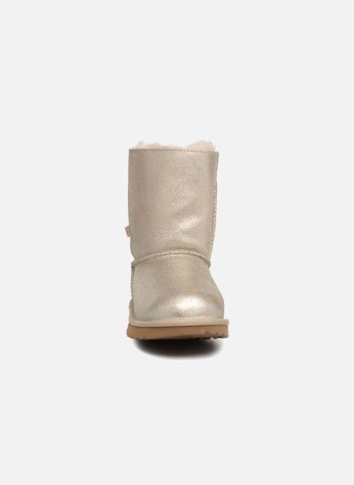 Stiefel UGG Bailey Bow II K gold/bronze schuhe getragen