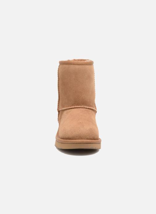 Stiefel UGG Classic II K braun schuhe getragen