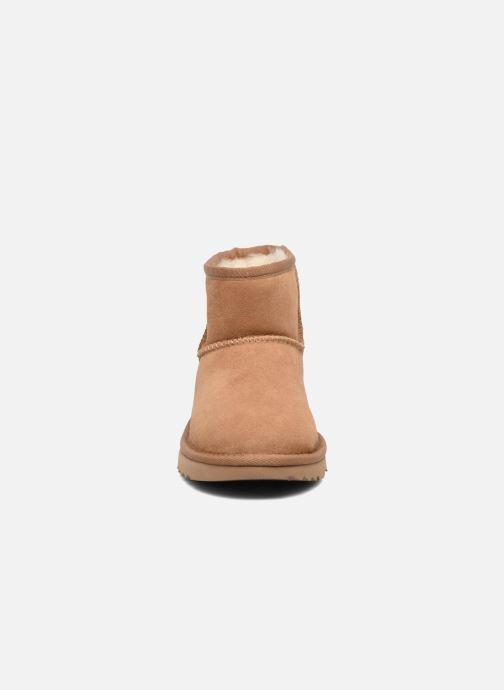 Stiefel UGG Classic Mini II K braun schuhe getragen