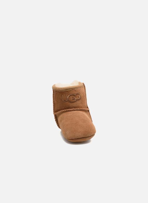 Chaussons UGG Jesse II K Marron vue portées chaussures