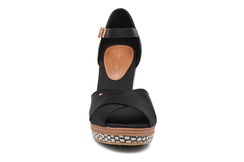 Espadrilles Tommy Hilfiger ICONIC ELENA BASIC Noir vue portées chaussures