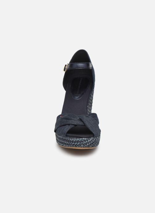 Espadrilles Tommy Hilfiger ICONIC ELENA METALLIC CANVAS Bleu vue portées chaussures