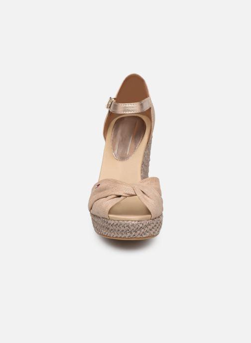 Espadrilles Tommy Hilfiger ICONIC ELENA METALLIC CANVAS Beige vue portées chaussures