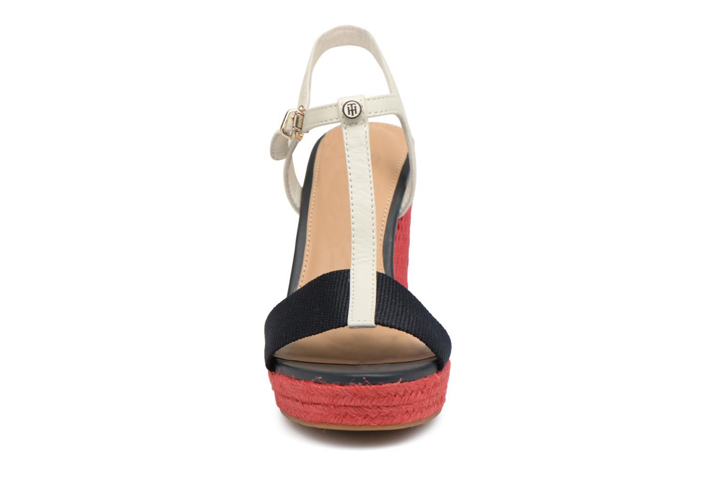 Espadrilles Tommy Hilfiger ICONIC ELENA POP COLOR Rouge vue portées chaussures