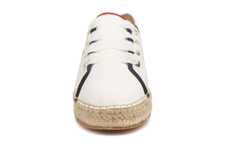 Espadrilles Tommy Hilfiger TH METALLIC LACE UP ESPADRILLE Blanc vue portées chaussures