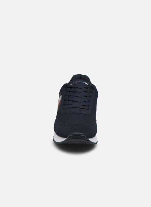 Baskets Tommy Hilfiger CORPORATE MATERIAL MIX RUNNER Bleu vue portées chaussures