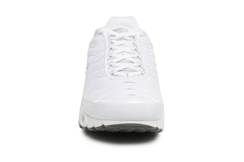 Sneaker Nike Air Max Plus weiß schuhe getragen