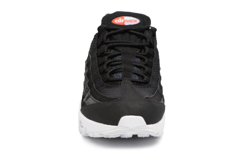 Baskets Nike Nike Air Max 95 Premium Se Blanc vue portées chaussures