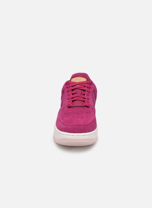 Baskets Nike Wmns Air Force 1 '07 Prm Rose vue portées chaussures