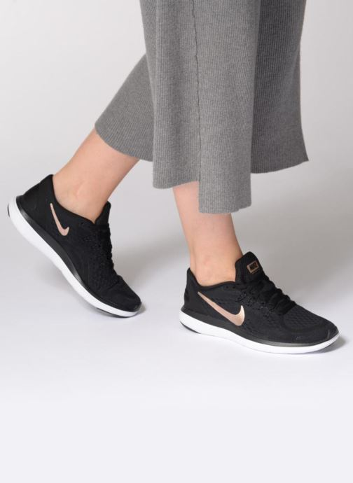 Sport shoes Nike Wmns Nike Flex 2017 Rn Black view from underneath / model view