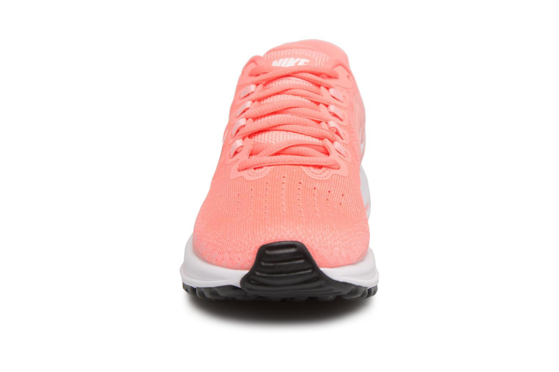Chaussures de sport Nike Wmns Nike Air Zoom Vomero 13 Rose vue portées chaussures