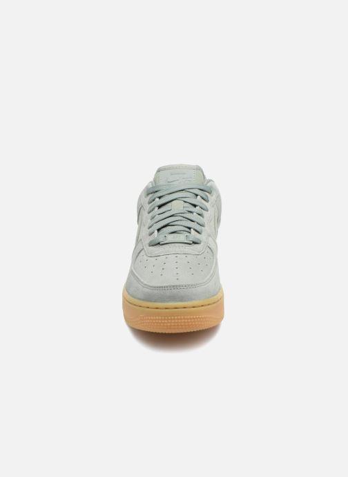 Baskets Nike Wmns Air Force 1 '07 Se Vert vue portées chaussures