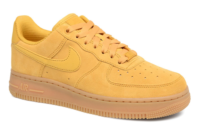 Baskets Nike Wmns Air Force 1 '07 Se Jaune vue détail/paire