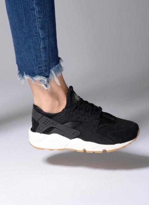 Sneaker Nike Wmns Air Huarache Run Sd schwarz ansicht von unten / tasche getragen