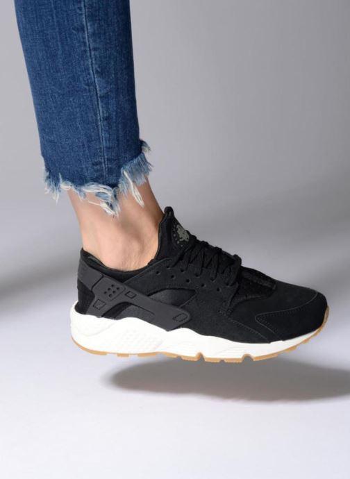 Sneaker Nike Wmns Air Huarache Run Sd rosa ansicht von unten / tasche getragen