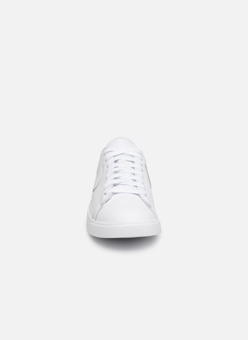 Deportivas Nike W Blazer Low Le Blanco vista del modelo
