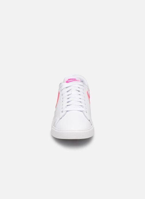 Trainers Nike W Blazer Low Le White model view