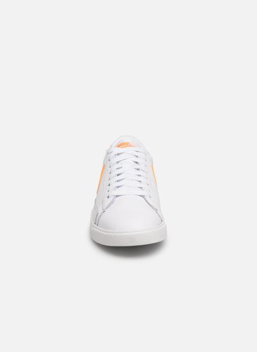 Baskets Nike W Blazer Low Le Blanc vue portées chaussures