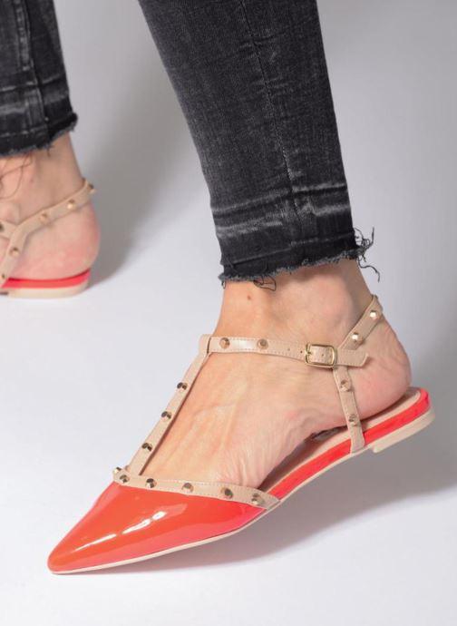 Sandales et nu-pieds Dune London CAYOTE Rouge vue bas / vue portée sac