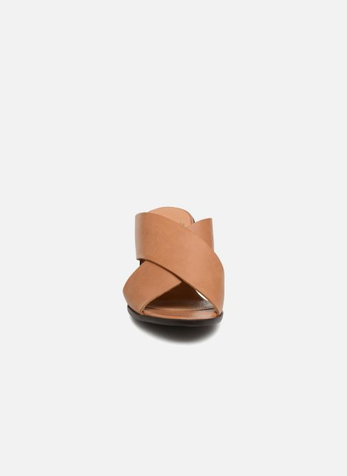 Mules & clogs Karston Lipstic Brown model view