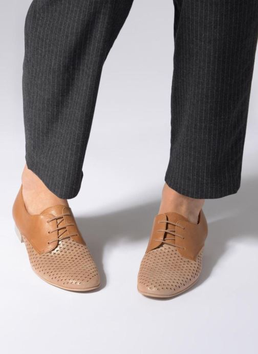 Lace-up shoes Karston Joie Brown view from underneath / model view