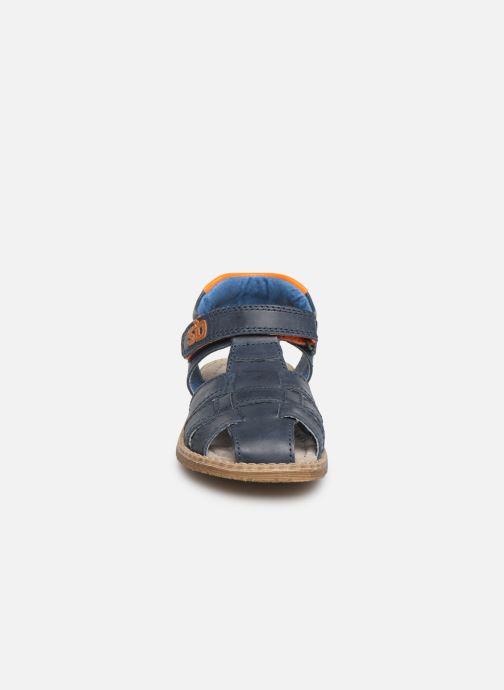 Sandalias Stones and Bones Dello Azul vista del modelo