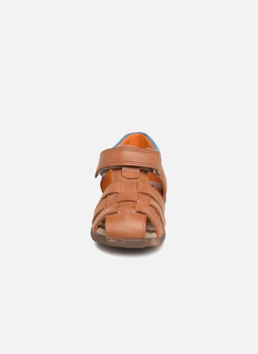 Sandales et nu-pieds Stones and Bones Maro Marron vue portées chaussures
