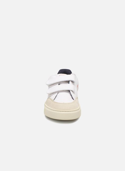 Trainers Veja V-12 Small Velcro White model view