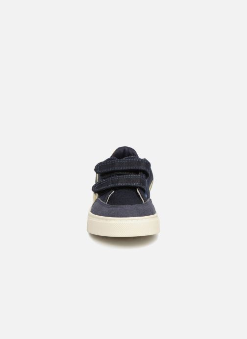 Trainers Veja V-12 Small Velcro Blue model view
