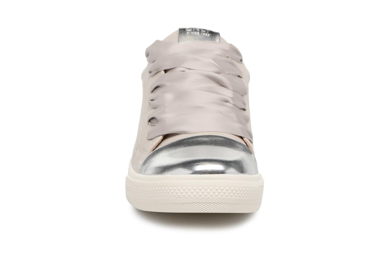 Baskets ONLY CLOUD Gris vue portées chaussures