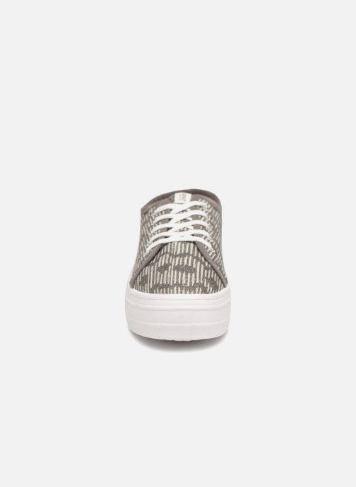 Baskets ONLY SARINA AOP SNEAKER Gris vue portées chaussures