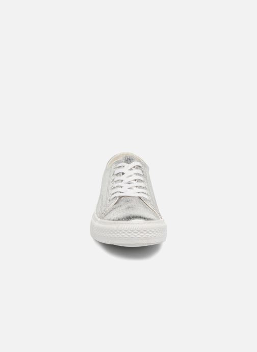 Deportivas Vero Moda Fab Sneaker Plateado vista del modelo