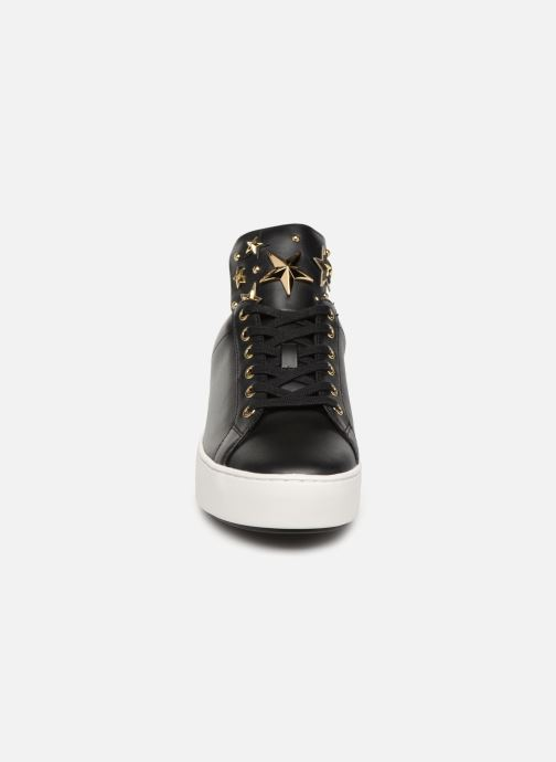 Sneakers Michael Michael Kors Mindy Lace Up Nero modello indossato