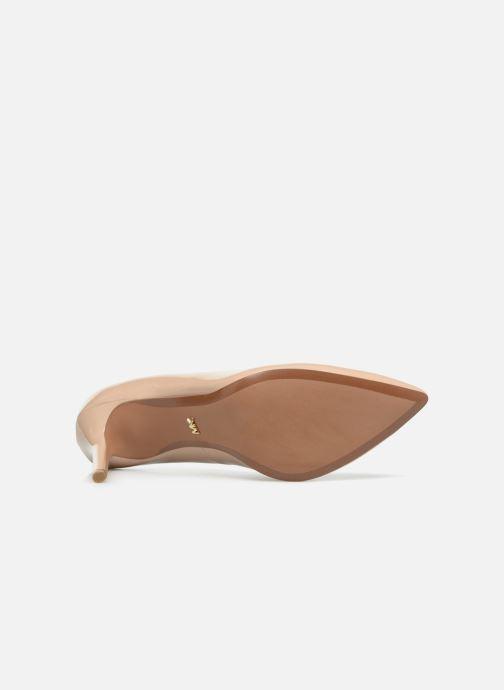 Zapatos de tacón Michael Michael Kors Claire Pump Beige vista de arriba
