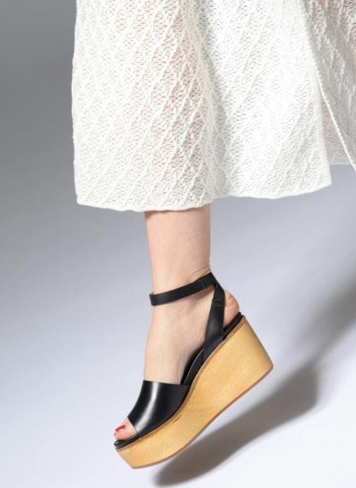 Sandalen Neosens BREVAL S507 schwarz ansicht von unten / tasche getragen