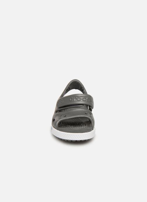 Sandales et nu-pieds Crocs Crocband II Sandal PS Gris vue portées chaussures