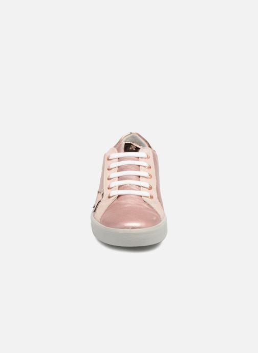 Sneakers Ricosta Preska Rosa modello indossato