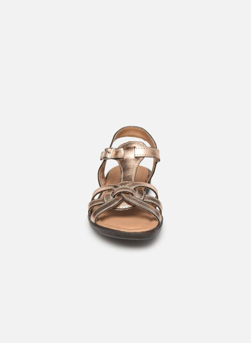 Sandali e scarpe aperte Ricosta Birte Oro e bronzo modello indossato