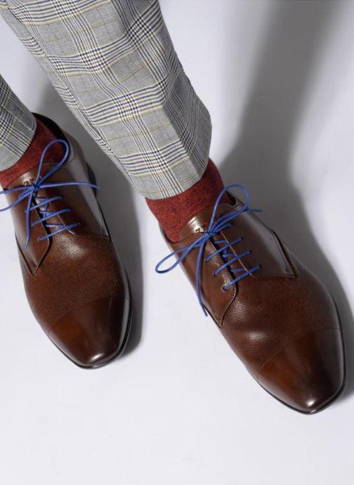 Chaussures à lacets Azzaro Piroman Marron vue bas / vue portée sac
