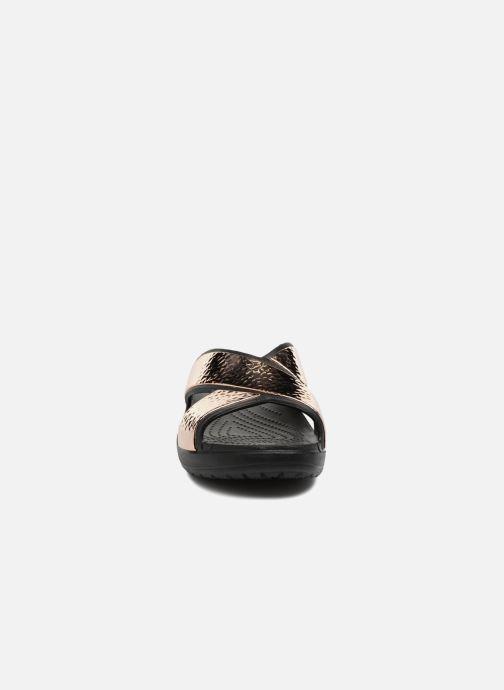 Clogs & Pantoletten Crocs Sloane Hammered Xstrp Slide W gold/bronze schuhe getragen