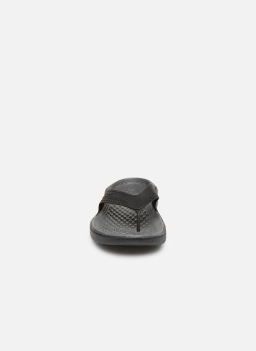 Tongs Crocs LiteRide Flip M Gris vue portées chaussures