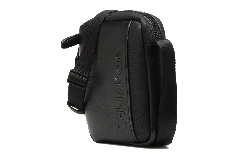 Herrentaschen Calvin Klein Elevated Mini Reporter schwarz schuhe getragen