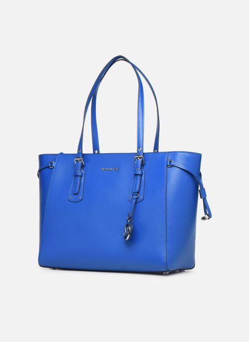 Bolsos de mano Michael Michael Kors Cabas Voyager MD MF TZ TOTE Azul vista del modelo